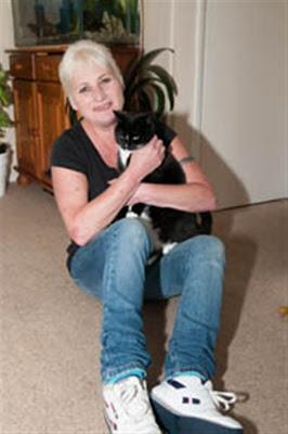 Quando gli animali diventano eroi. Donna salvata dalla sua gatta.