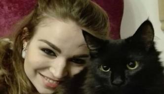 Esalazioni dalla stufa, la gatta Morgana salva la sua famiglia